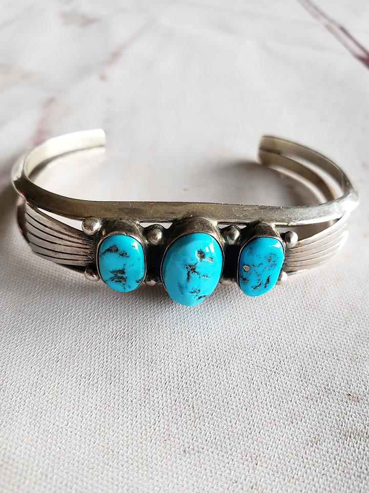 b7cd7ef6c3808 1960's Navajo Vintage Bracelet with 3 Turquoise Stones